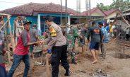 Aksi nyata Bhabinkamtibmas Polres Cirebon Kota Polda Jabar, Gotong Royong Renovasi Masjid