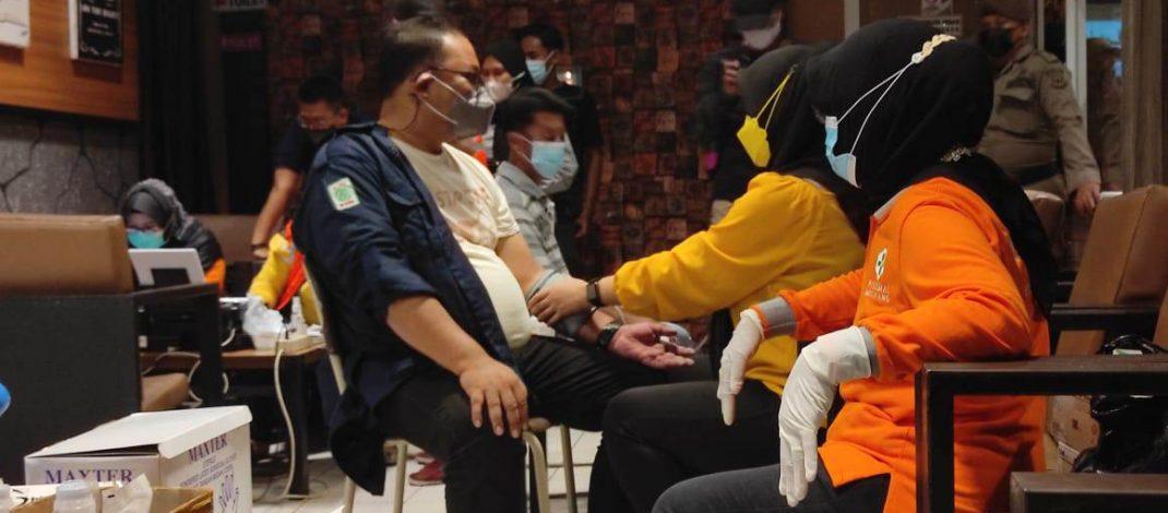 Dinkes Kota Pangkalpinang Bersama TNI/Polri Gelar Vaksin Covid 19 Ke Pelaku UMKM
