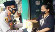 Kabid Humas Polda Jabar : Bantu Warga terdampak Covid-19, Polisi Rutin Salurkan Bansos Dimasa PPKM
